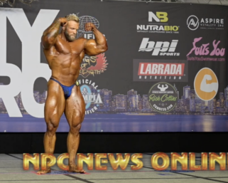 NPC NEWS ONLINE Bodybuilding Posing Routine Of The Day: IFBB Pro League  Bodybuilder Iain Valliere