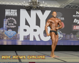 2020 @ifbb_pro_league NY Pro 7th Place Classic Physique Winner Arturo Mendez Posing Routine